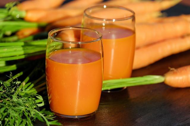 Свежевыжатый морковно-тыквенный сок
