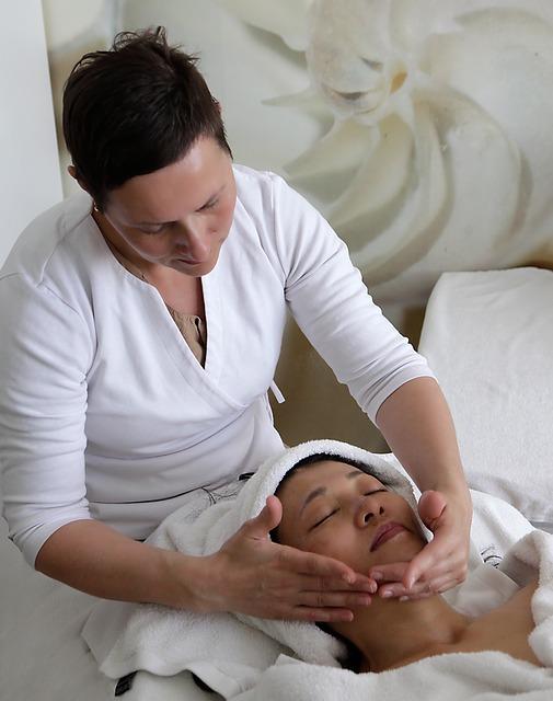 Хиромассаж лица и тела: передовая методика в спа-уходе