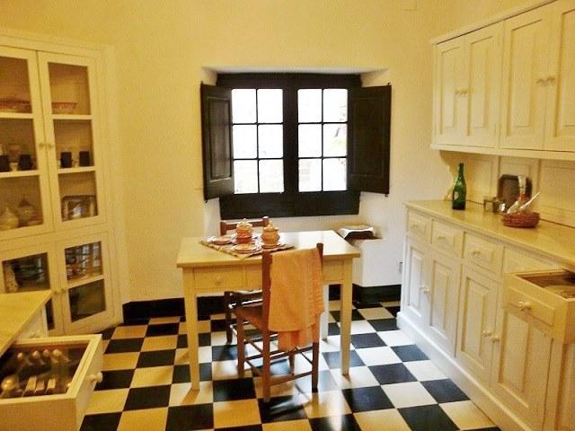 Замок Гала, кухня в интерьере