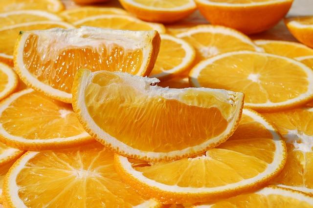 Кулинарные советы. Как вывести пятна от апельсинового сока