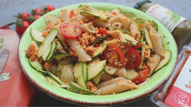 Салат из Тоффу и паста