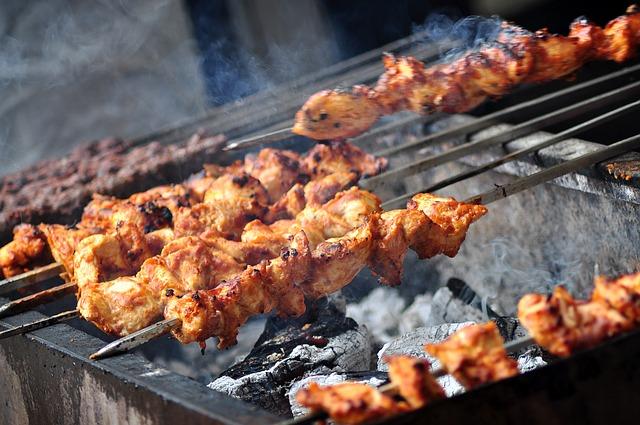 Шашлык из курицы имеет самую низкую калорийность