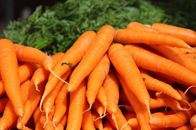 Морковный сок. Полезные свойства